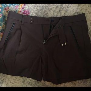 GAP pleated shorts Size 8